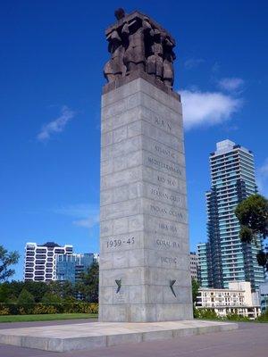 Perpetual_Flame_Monument.jpg