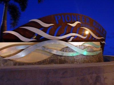 Pioneer_River_sign.jpg