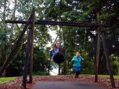 Swing Nina & Charlotte1