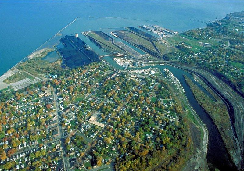 Ashtabula_Ohio_port_aerial_view