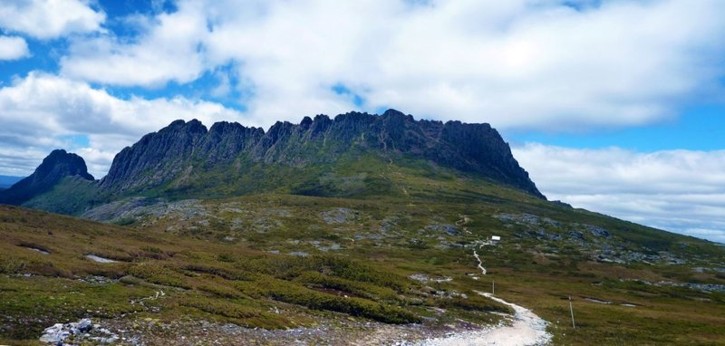 large_Cradle_Mountain_Path.jpg