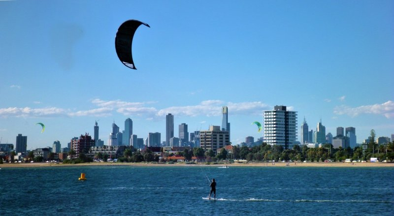 large_Kite_Surfe..bourne_city.jpg