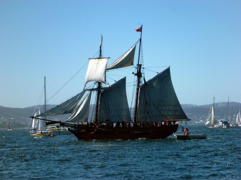 large_Tall_Ship_James_Craig.jpg