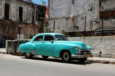 Oldtimer car in Havana, Cuba