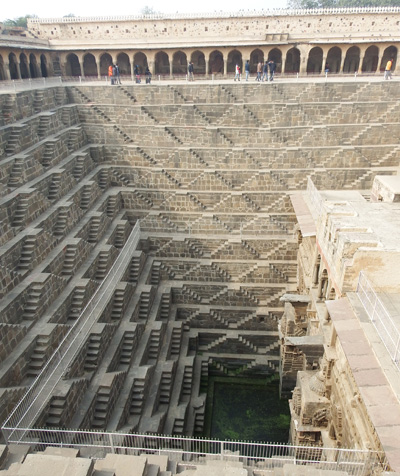 large_stepwell_1.jpg