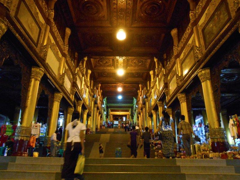 Staris to Shwedagon pagoda