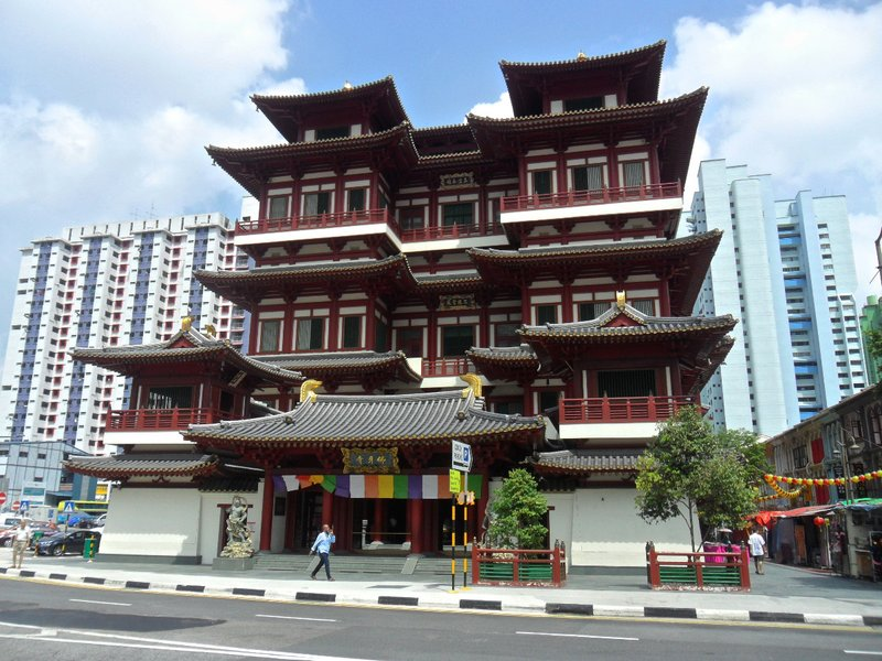 An impressive temple in Chinatown