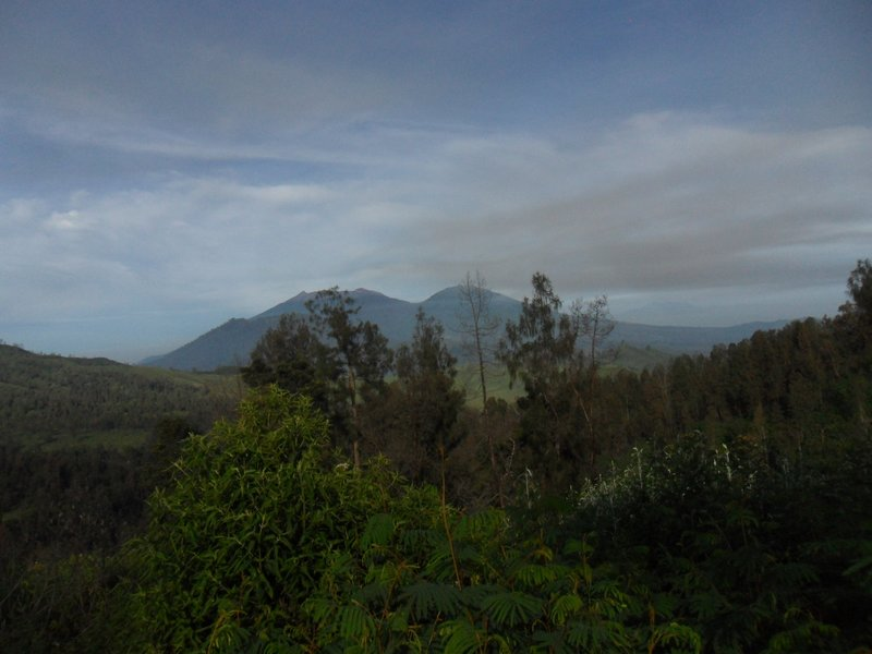 Views on the way back from Ijen