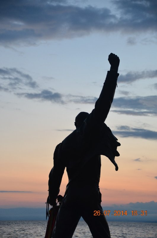 Freddie Mercury's statue along the promenade