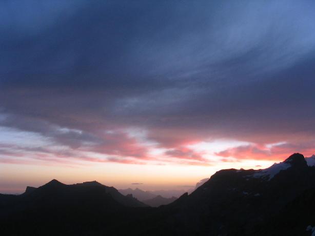 Sunrise - view from the Bluemlisalphuette