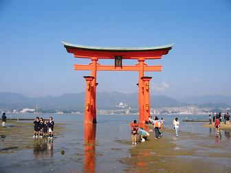Miyajima - ItsukushimaJo Torii