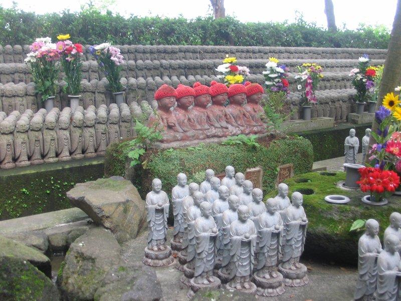 Kamakura, Shrine to dead children/babies