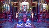 Cameron_an..n_in_temple.jpg