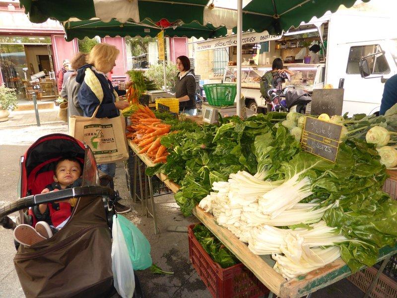 large_Aix_en_Provence_market_10.jpg