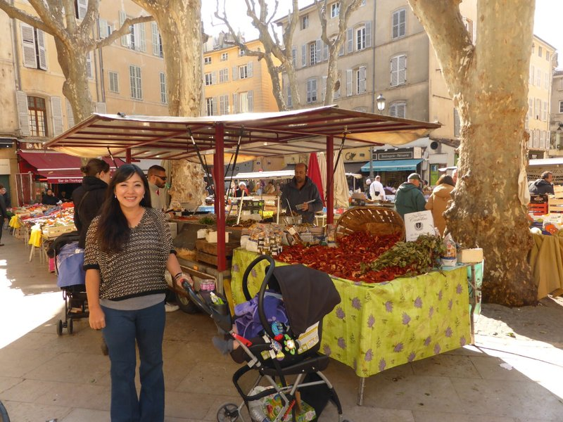 large_Aix_en_Provence_market_12.jpg