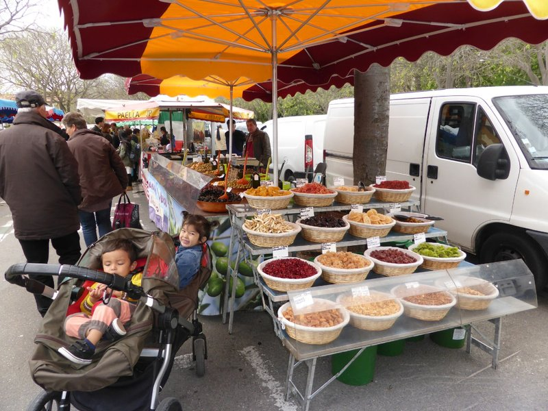 large_Arles_market_2.jpg