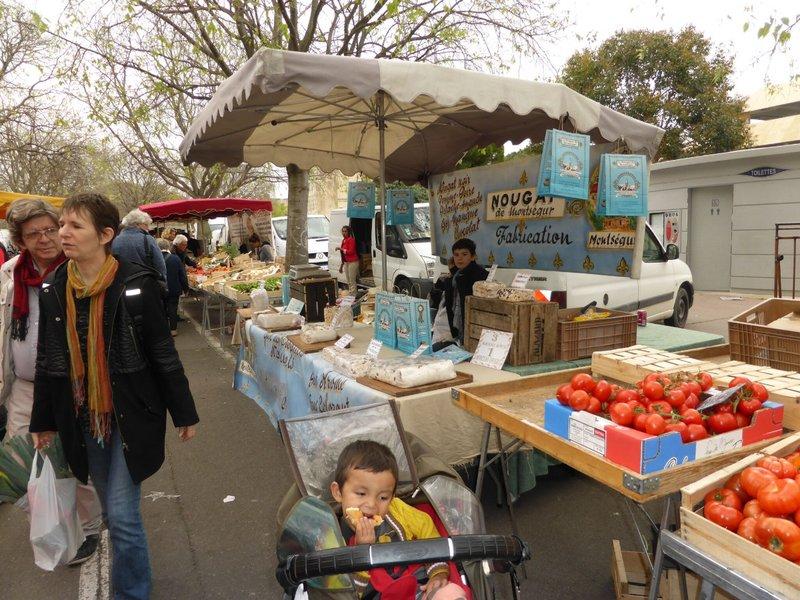 large_Arles_market_6.jpg