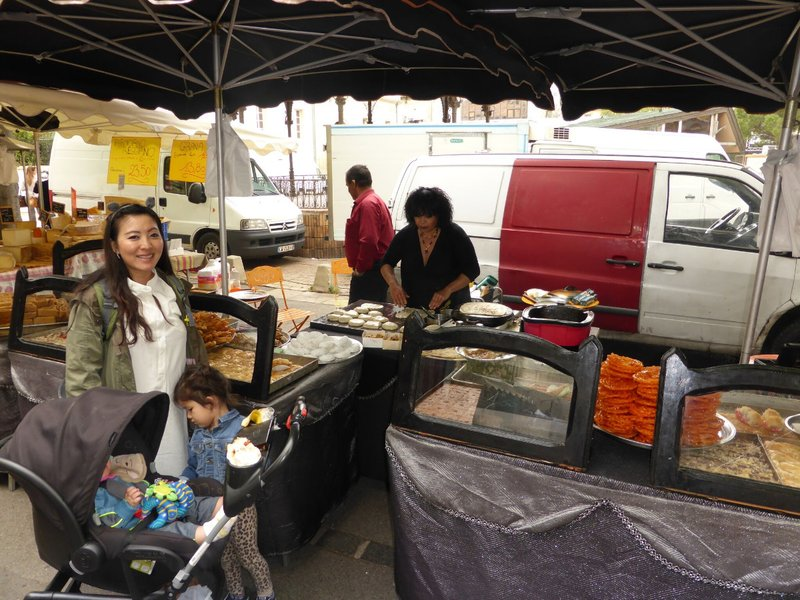 large_Arles_market_9.jpg