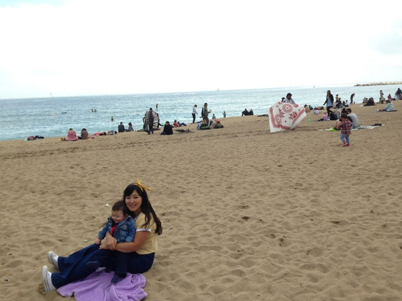 large_Barceloneta_beach.jpg
