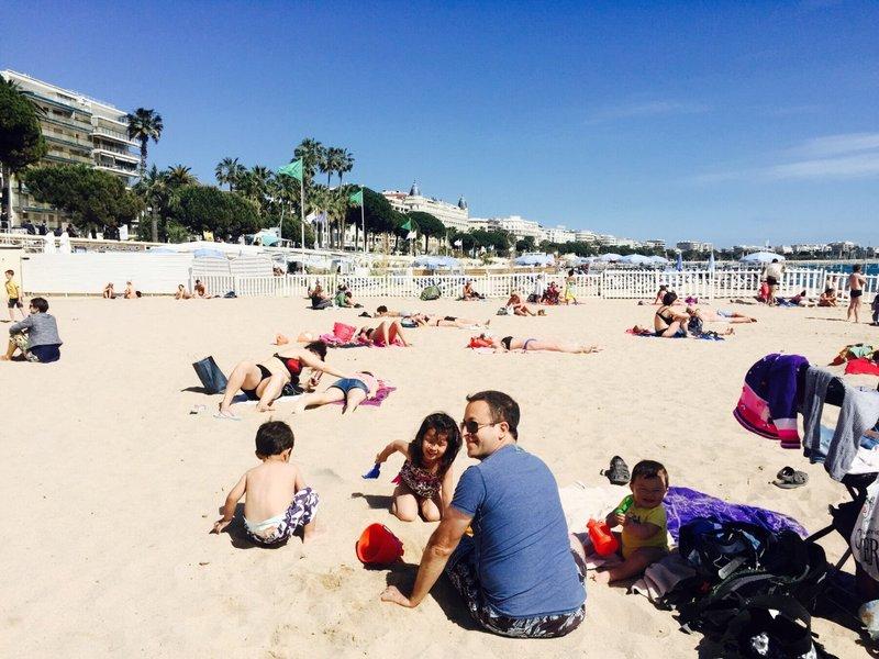 large_Cannes_beach_3.jpg