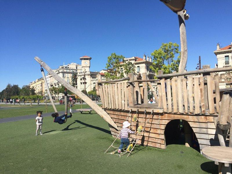 large_Nice_playground_1.jpg