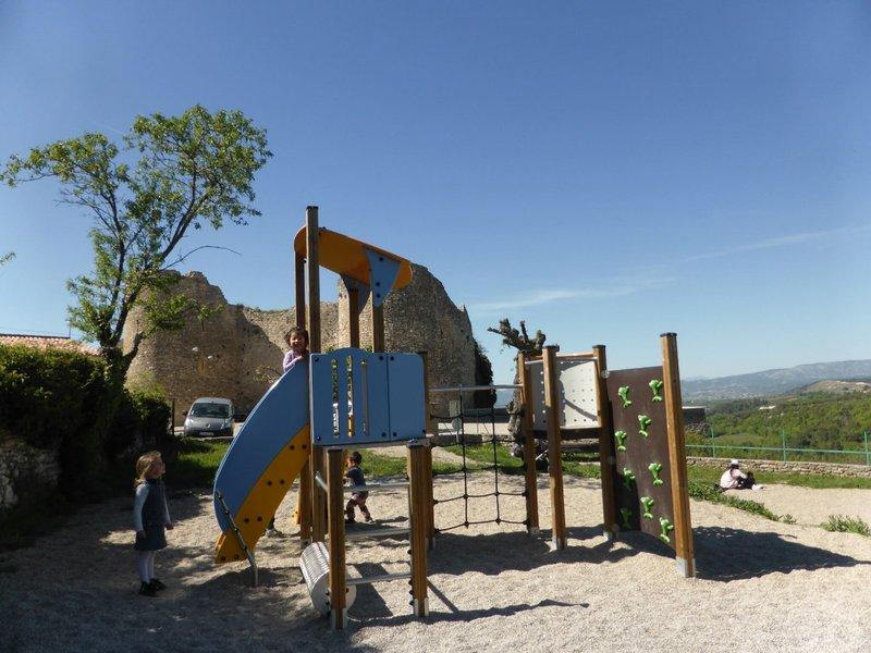 large_Venasque_playground_1.jpg