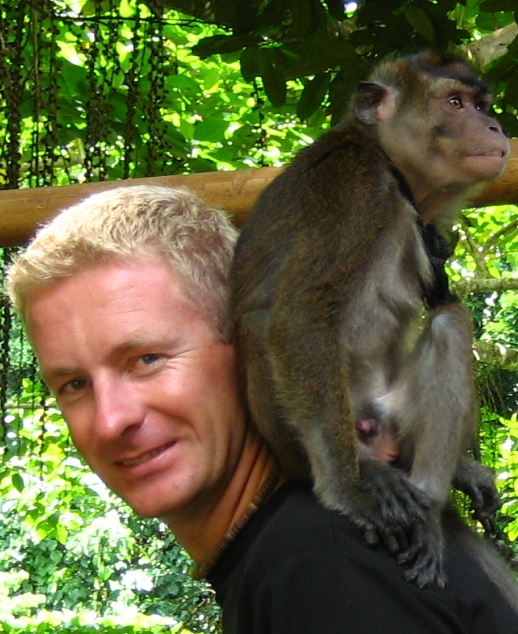 Sander with monkey