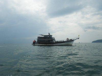 Scuba addicts boat