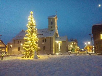 churchsnowman.jpg