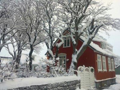 redhouse1.jpg