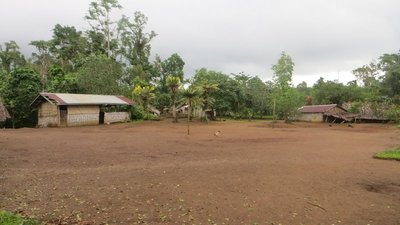 Millenium Cave: au 2e village