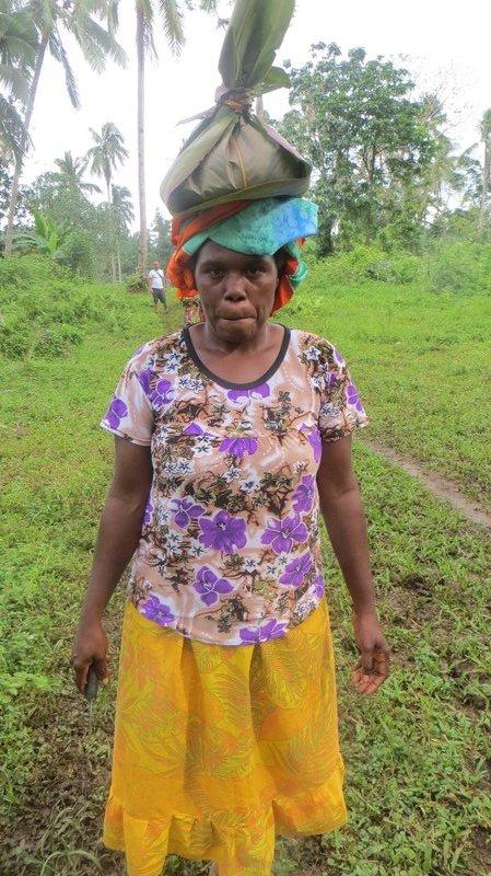 Millenium cave : Femme du village