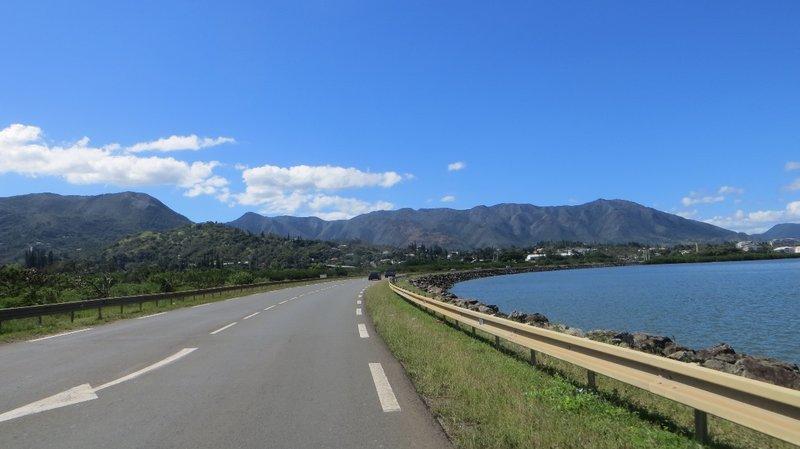 Sur la route vers Prony