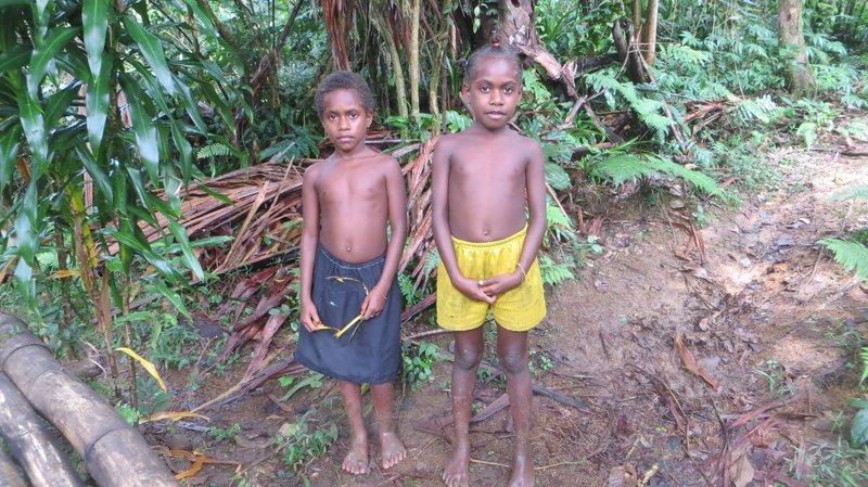 Millenium Cave : 2 enfants du village
