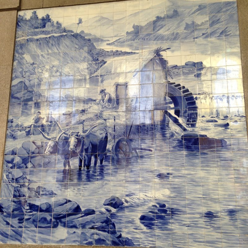 The São Bento Train Station with its amazing tile panels that depict scenes of the History of Portugal.