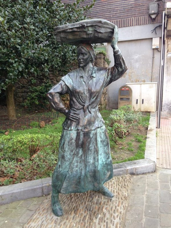 Commemorating the woman who worked hard to sell the fish landed at Bermeo - often taking all day to walk to Bilboa and back!