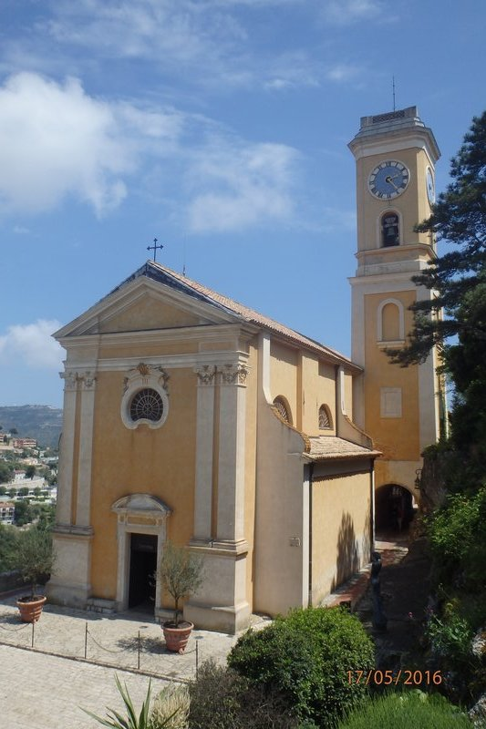The church within the walls at Èze