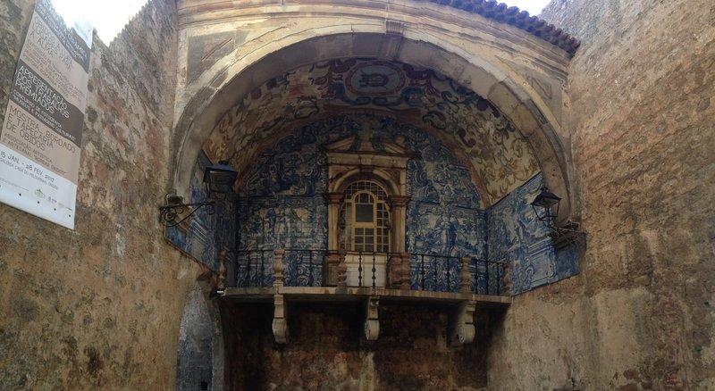 The beautiful gate entering Obidos