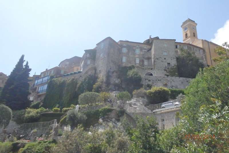 Looking up at the walled town of Èze