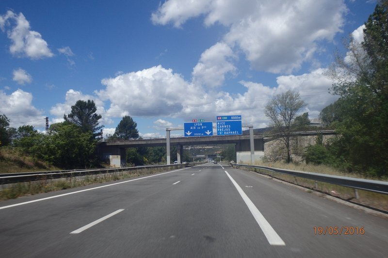 On the road to Châtel