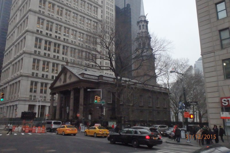 St Pauls - Escaped any damage on 9 11