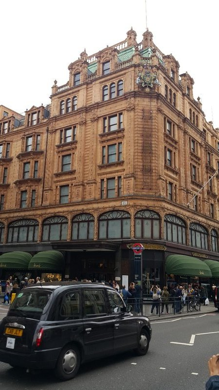 Harrods and the black taxi