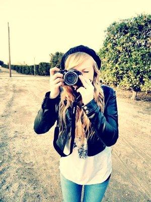 blonde-camera-girl-photography-pretty-Favim.com-349939
