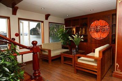 12. Huong-hai-sealife-cruise-halong