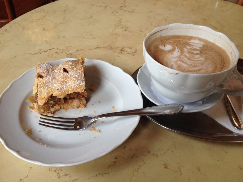 strudel-and-latte-cafe-savoy