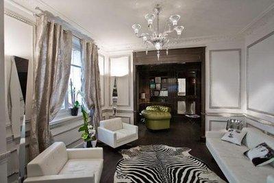Hotel_Ares_Eiffel_Lobby.jpg
