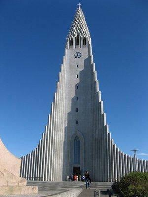 Reykjavik_s-church.jpg