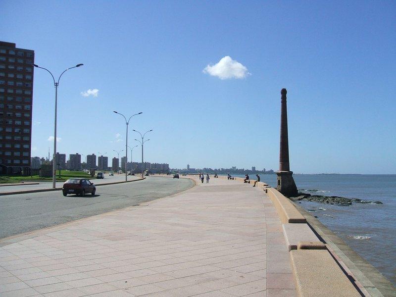 large_Rambla_de_..eo__Uruguay.jpg