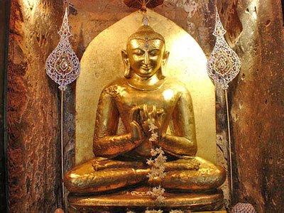 Ahlodawpyea Temple Buddha Statue