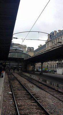 paris train station